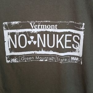Comfort Colors Tops - Vermont NO NUKES Greenpeace Tee M  (Woman)